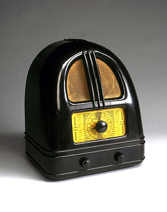Philco 'People's Set' Model 444 broadcast receiver, c 1936