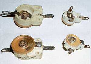 Small valued adjustable capacitors