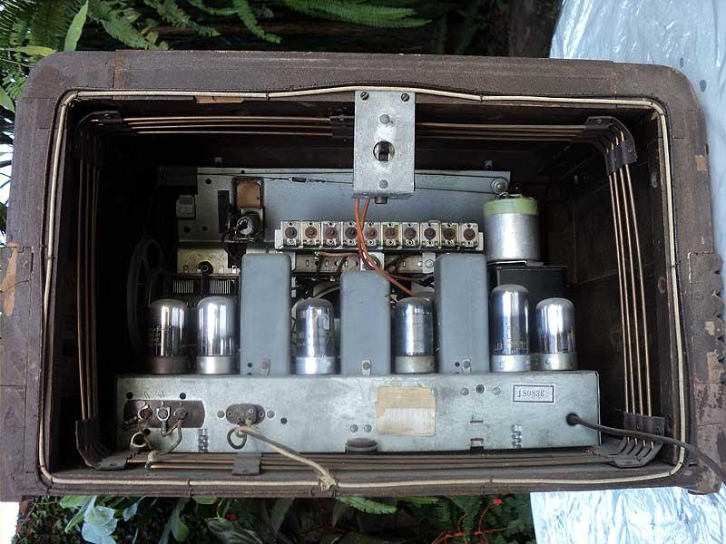 Philco radio  Model 42-350 (1942)